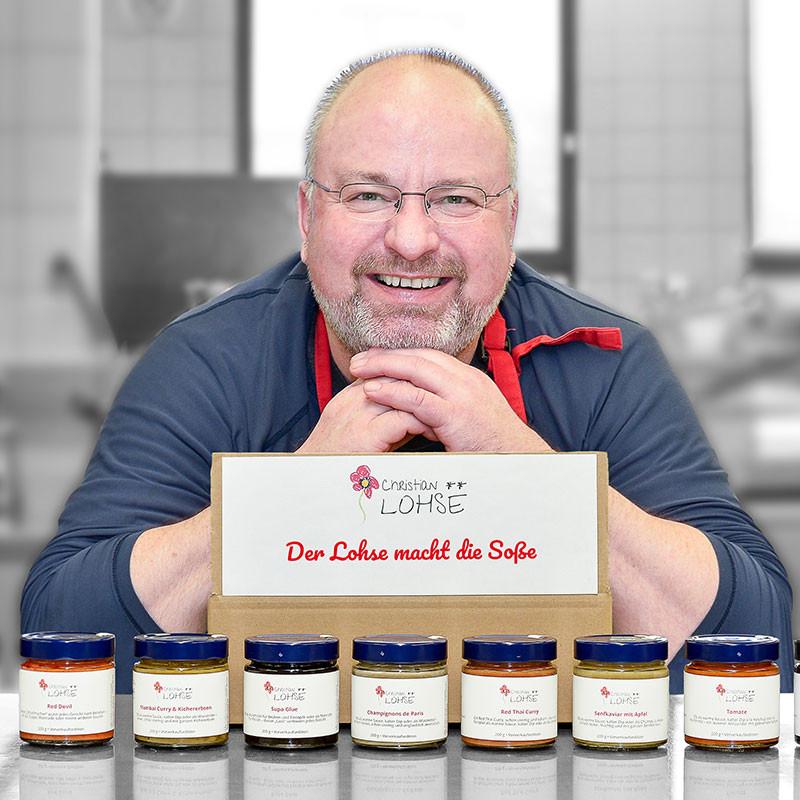 Zwei-Sterne-Koch Christian Lohse mit seinem Soßensortiment