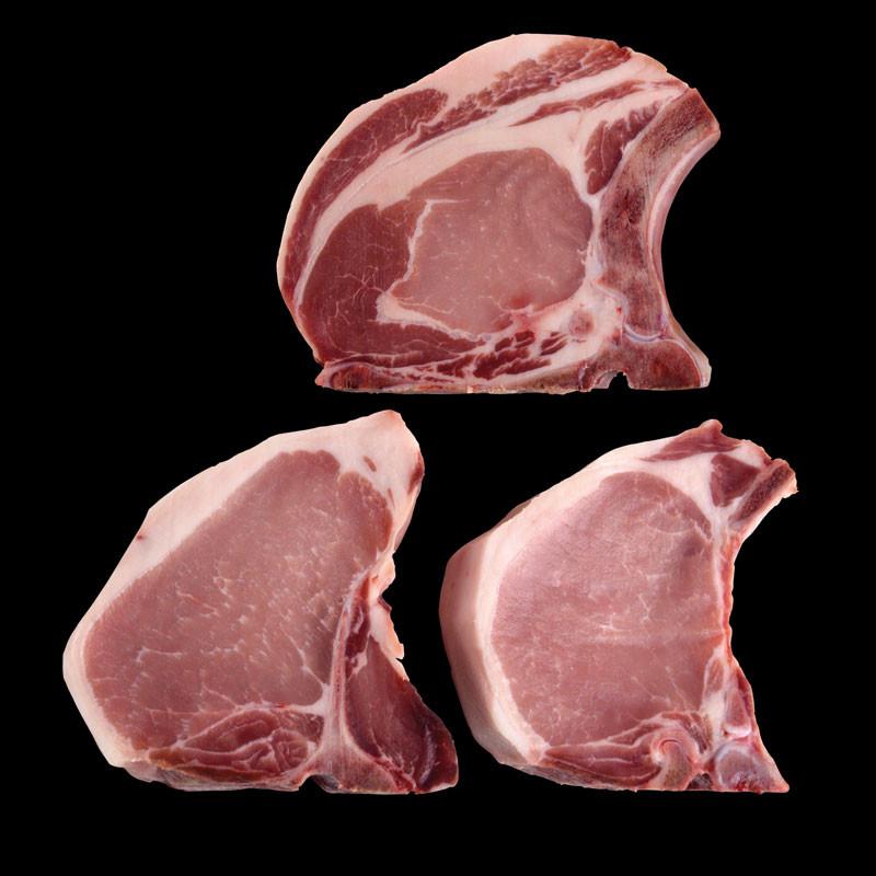 Drei LiVar Schweinekoteletts Dry-Aged, roh