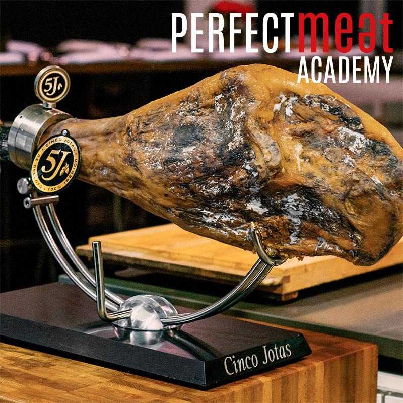 Feinster Ibérico Hinterschinken mit Knochen bei der Perfect Meat Academy - Das Original