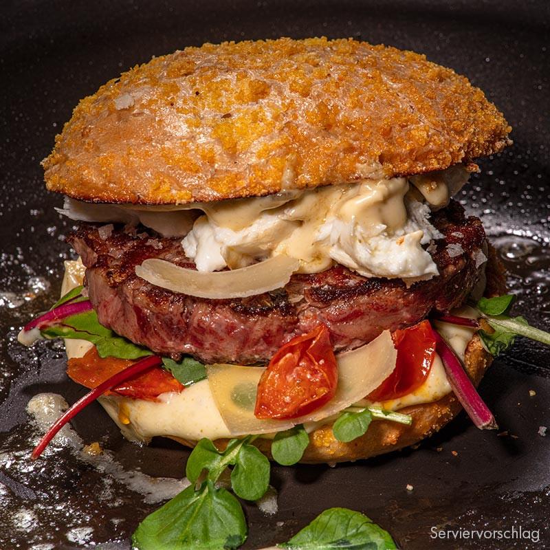 Steak Stripes Burger zubereitet